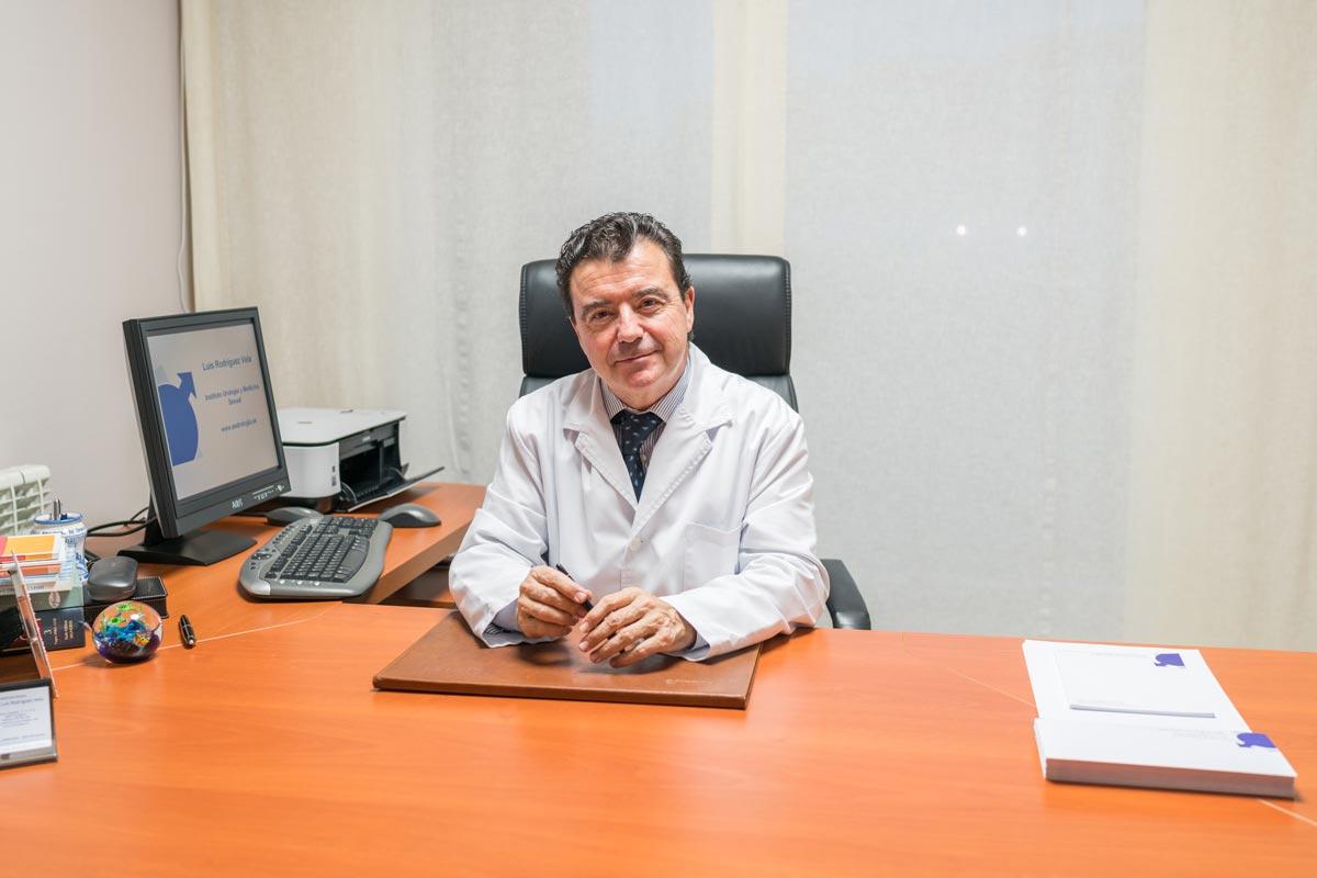 Dr. Rodríguez Vela. Especialista en urología